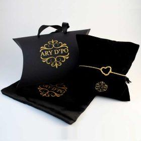 Twisted Heart Bracelet in gold